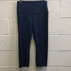 Lululemon black and blue crop legging, sz 8, 62714